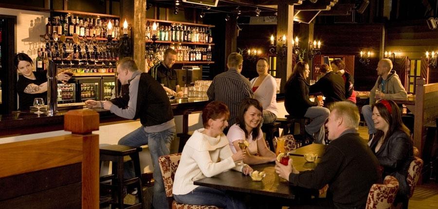 finland_lapland_saariselka_holiday_club_spa_hotel_bar.jpg